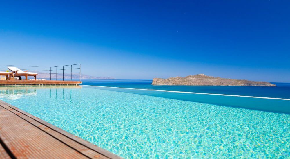 luxury villa in Stalos