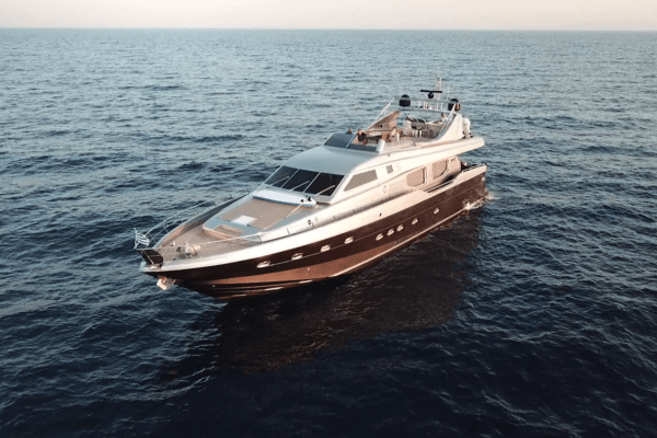 JOHNNY HANDSOME Yacht