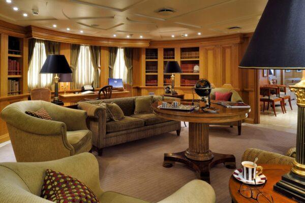 christina-o-megayacht-callas-lounge-1