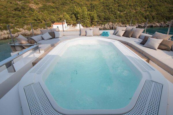 ouranos-yacht-charter-sun-deck-jacuzzi