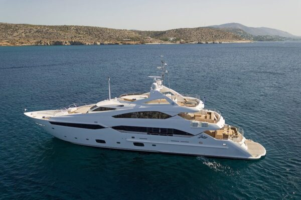 pathos-mega-yacht-profile-1-min