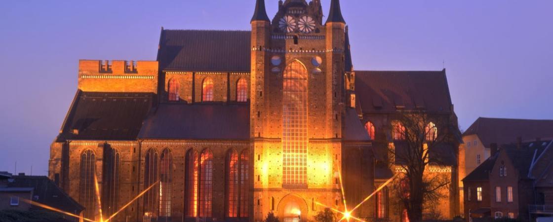 Julfest auf Aussichtsplattform der St.-Georgen-Kirche