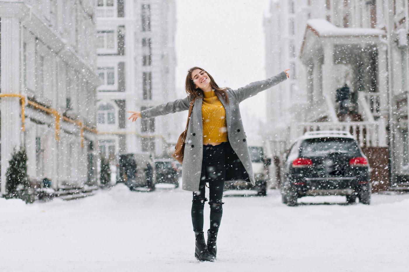 Akú dĺžku dámskeho kabáta zvoliť? Analyzujte svoju postavu!