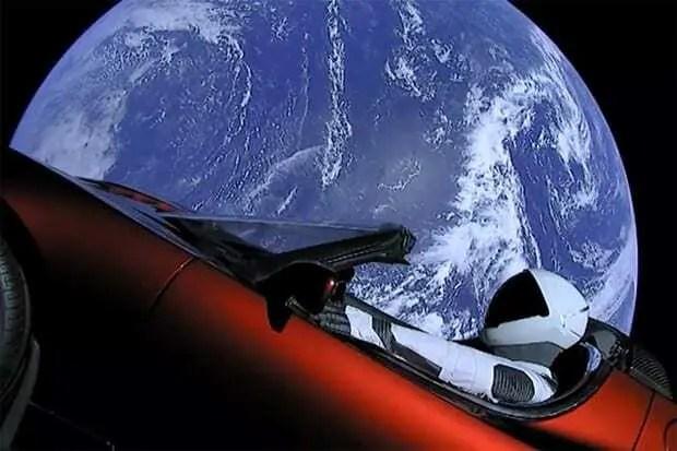 Carro Tesla é lançado ao espaço pela SpaceX 1
