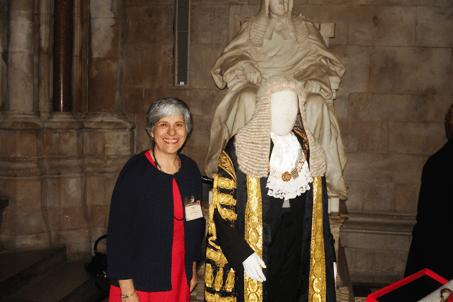 Exposición de trajes de jueces y abogados desde el siglo XIII hasta la fecha.