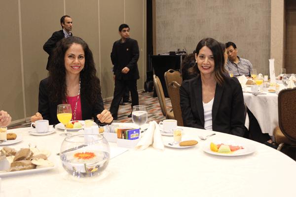 Las abogadas Soledad Salman, del Servicio de Impuestos Internos, y Bárbara Matamala, del Ministerio de Hacienda.