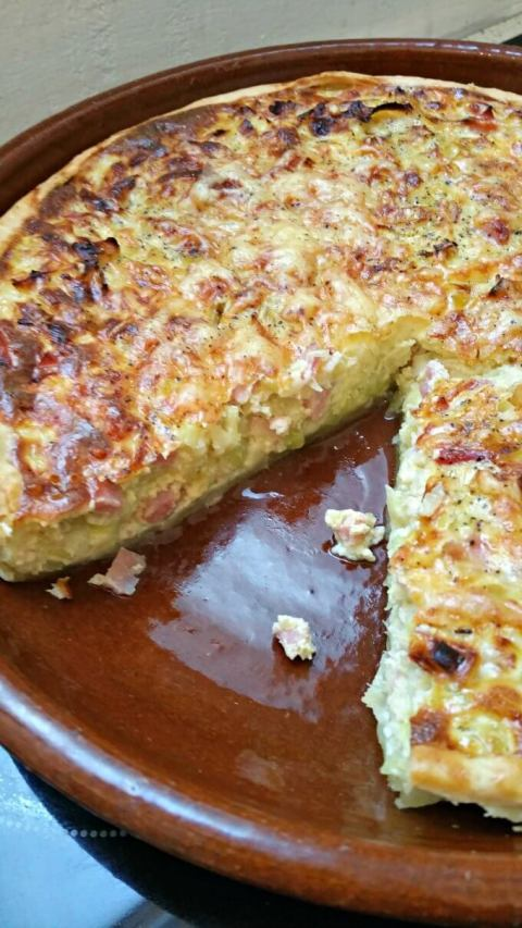 Camino Flavors: Ham and Leek Quiche - Lydia's Flexitarian Kitchen