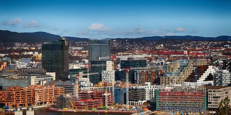DET NYE NORGE.  Det bygges ikke ekte og vedvarende verdier i det nye samfunnet vi bygger opp gjennom bank- og finansinstitusjonene, sier vår innsender. (Pixabay).