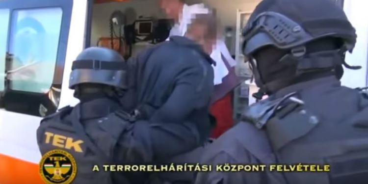 (Ungarsk antiterror-politi i aksjon/Illustrasjonsbilde/Youtube).