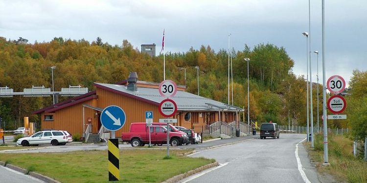 NORGE - RUSSLAND GRENSE. Sør-Varanger - Storskog (Foto: Clemensfranz  CC BY 3.0)