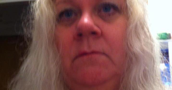 DØDE AV KNIVSKADENE: Den 55-årige sykepleieren Anna-Lena Lernhede døde fredag ettermiddag av skadene hun fikk under et ransforsøk i den flerkulturelle byen. (Foto: Privat).
