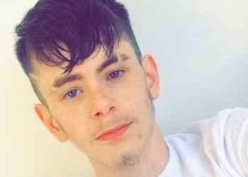 BRADLEY GLEDHILL (20) BLE BRUTALT DREPT AV SEKS MUSLIMSKE MENN PÅ GATEN I ENGLAND. (Foto: Privat).