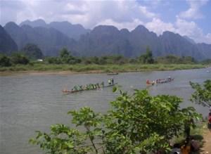 boat race, vang vieng