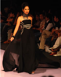 Pinoy Fashion Week: Herrera