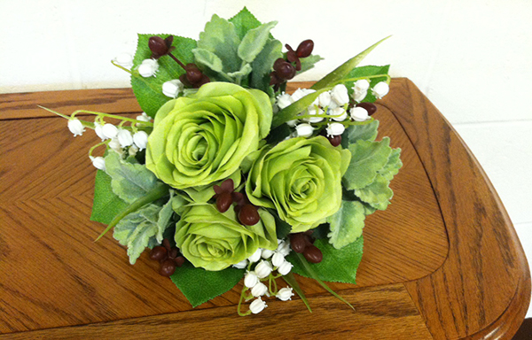 green-white-and-dark-red-prom-flowers