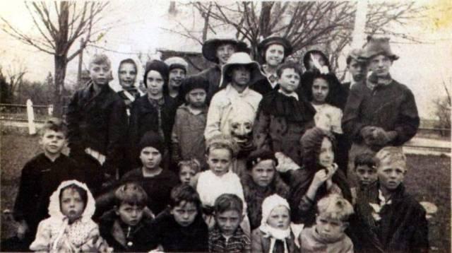 Greenbush School 1941 Haloween Mack Digital (2)