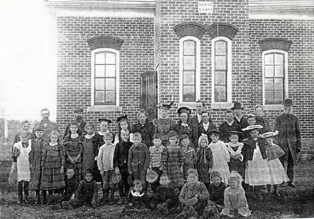 Seeleys Sch Oppening Day 1898 SF12#15 (1)