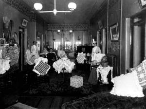 Psyc Female Ward Hall 1890c (4)