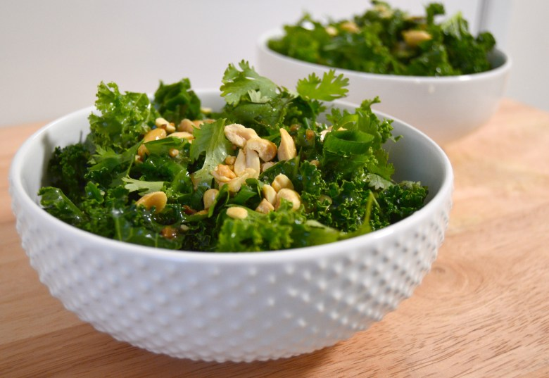 Massaged Kale Salad Recipe // lynnepetre.com