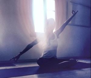 Paros 2015 light yoga shot