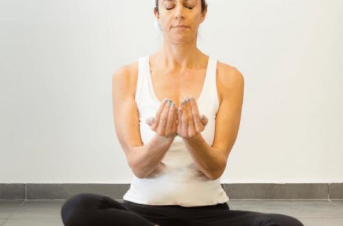 My daily Kundalini Yoga practice - Lynn Roulo