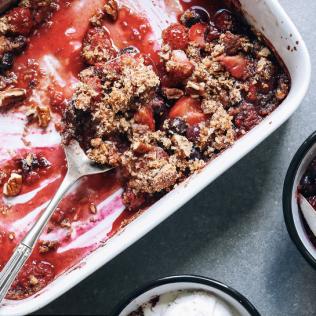 grain-free berry crumble