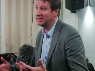Yannick Jadot député européen en campagne