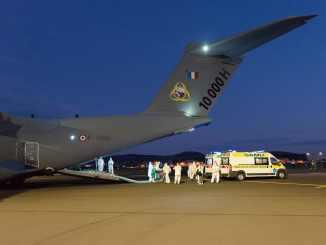 Les armées assurent le transferts de patients COVID-19 dans le cadre de l'opération Résilience