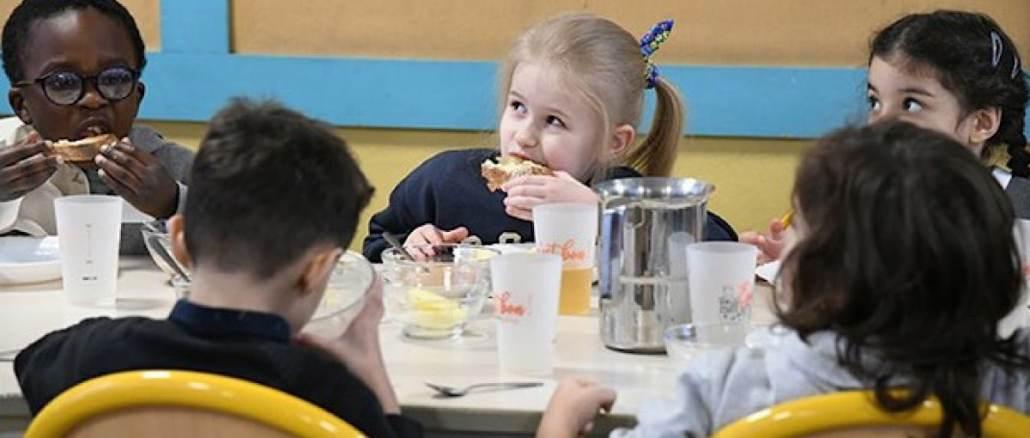 Lyon expérimente des petits déjeuners servis gratuitement à l'école