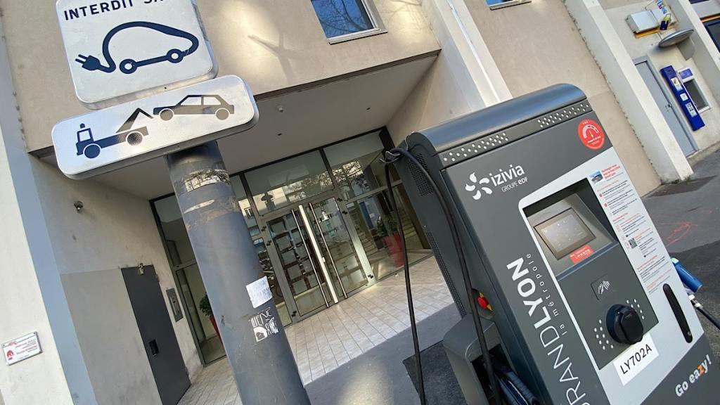 Izivia crée un réseau de recharge pour voitures électriques