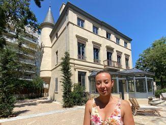 Sefana Graidia devant le Grand Clément