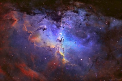 Pillars-of-Creation-located-in-the-Eagle-Nebula-014