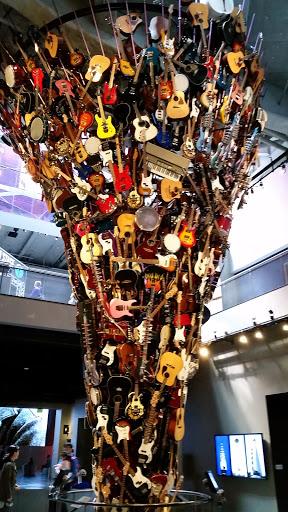 guitar statue