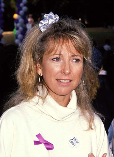 Lisa Kudro with a bad scrunchie at lyricmarketing.com