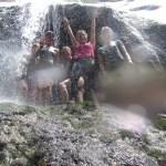 Gruppenbild im Wasserfall