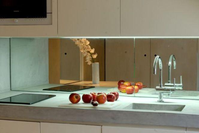 la credence de cuisine miroir espace et clarte