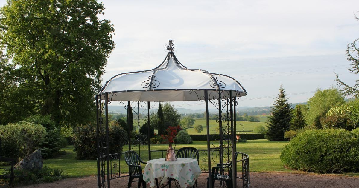 La Gloriette De Jardin Petit Pavillon Au Coeur Du Jardin