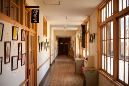 さんさん館の廊下