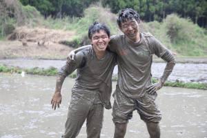 泥まみれでも楽しい!?