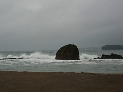 台風接近に伴う海水浴場遊泳禁止について