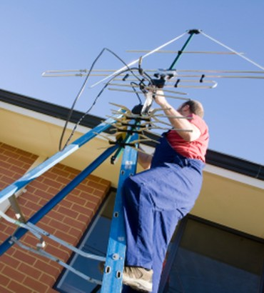 Top Benefits Of Hiring TV Antenna Installation Experts
