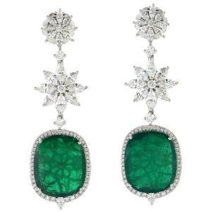 Exquisite 20.74 Carat Emerald Diamond 18 Karat Gold Earrings