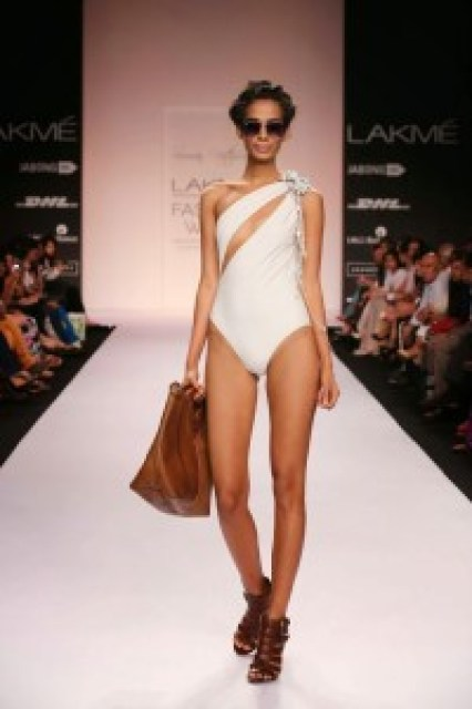 lakme-fashion-week-2014-summer-resort-collection-by-Suman Nathwani