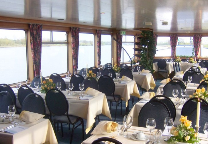 Maasboot Filia Mosae Tour Diner