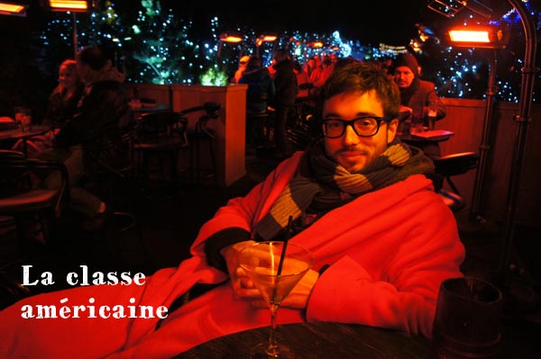 Manu in his slanket - Cocktail on a rooftop