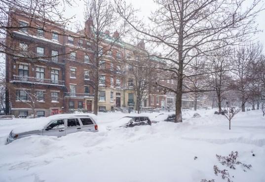 boston blizzard les voitures sous la neige