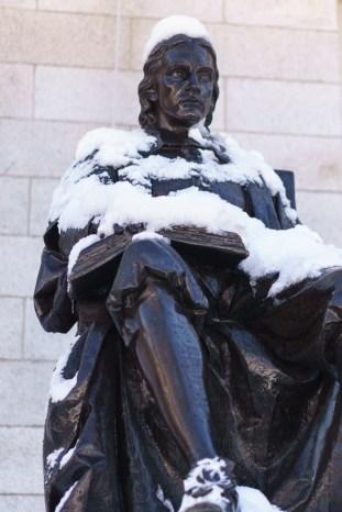 Harvard Art Museum - Harvard Yard - Statue de John Harvard sous la neige
