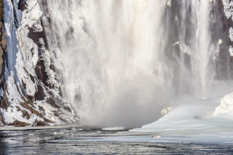 voyage-quebec Chute Montmorency le pied de la cascade