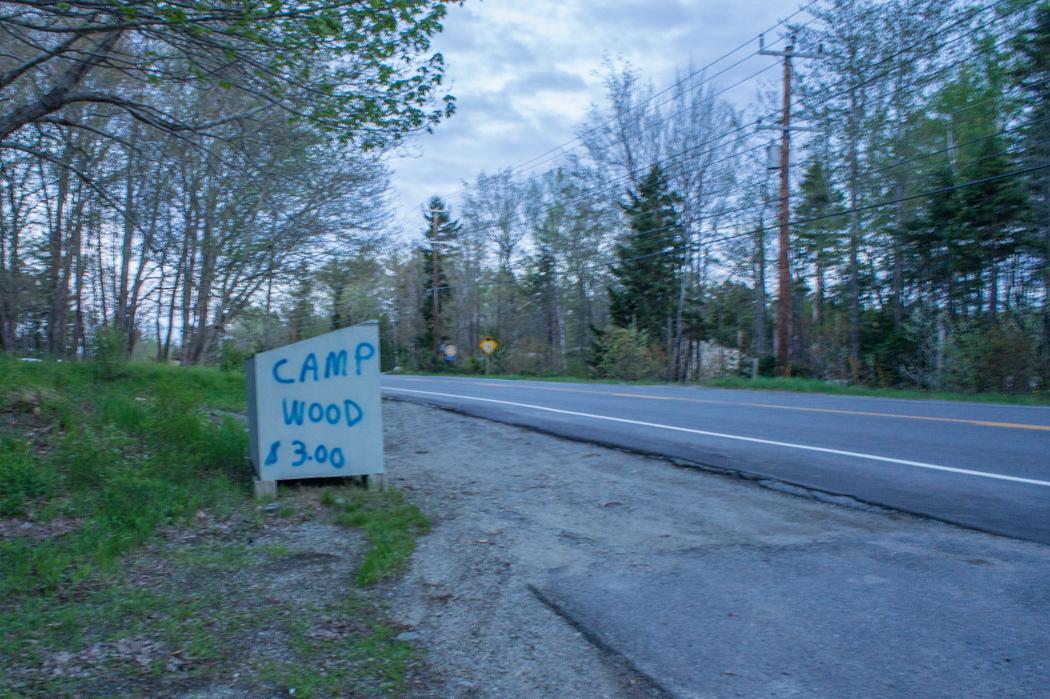 camping aux Etats-Unis - du bois pour se chauffer