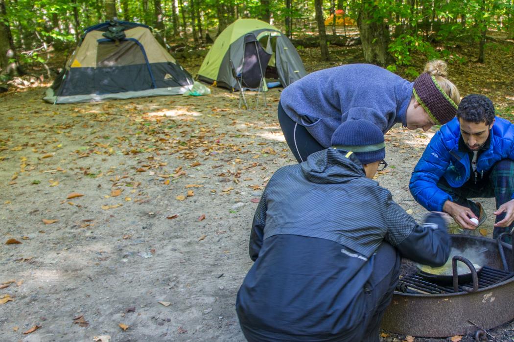 Camping - le matin au petit déjeuner
